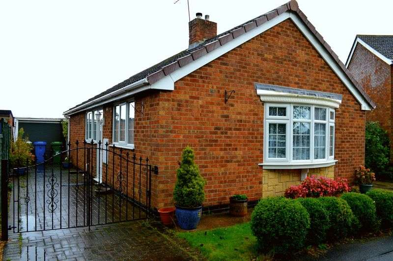2 Bedrooms Detached Bungalow for sale in St Marks Avenue, Cherry Willingham