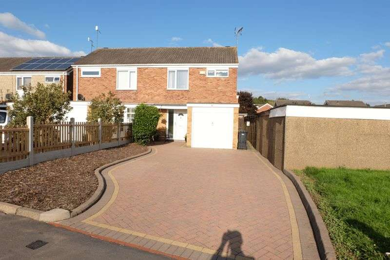 3 Bedrooms Semi Detached House for sale in Windermere Way, Stourport-On-Severn DY13 8QF