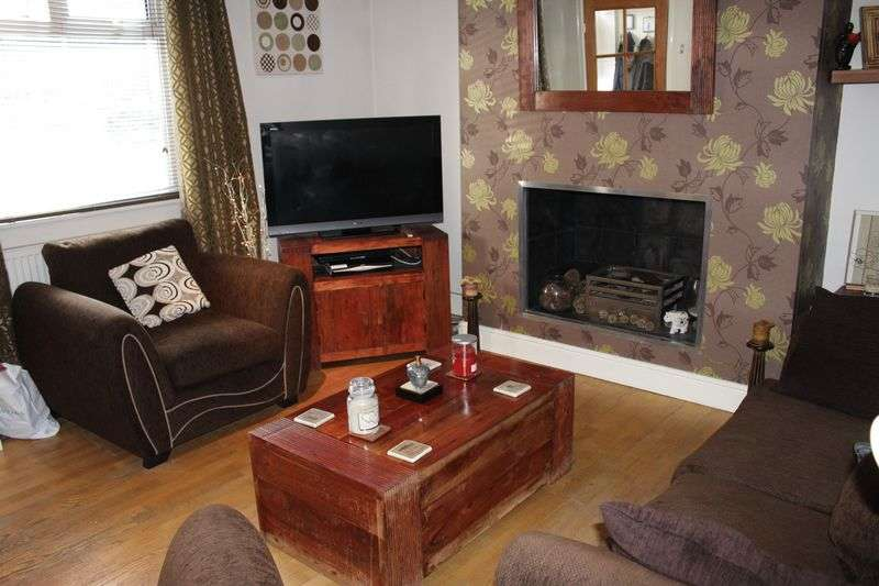 2 Bedrooms Terraced House for sale in Bamford Road, Heywood