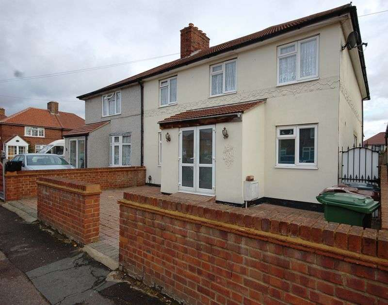 6 Bedrooms Semi Detached House for sale in Croppath Road, Dagenham