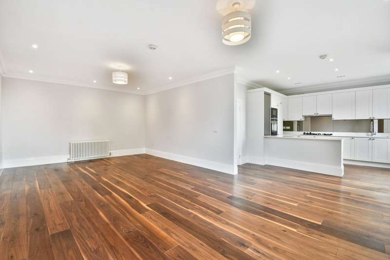 3 Bedrooms Flat for sale in Belsize Park Gardens, Belsize Park