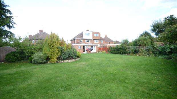 4 Bedrooms Semi Detached House for sale in Lyme Grove, Tilehurst, Reading