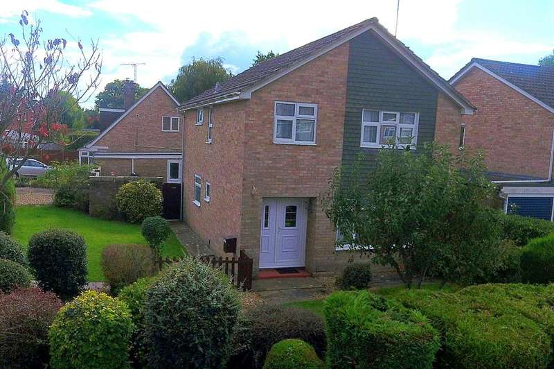 4 Bedrooms Detached House for sale in Poulner, Ringwood, Hampshire, BH24 1XJ
