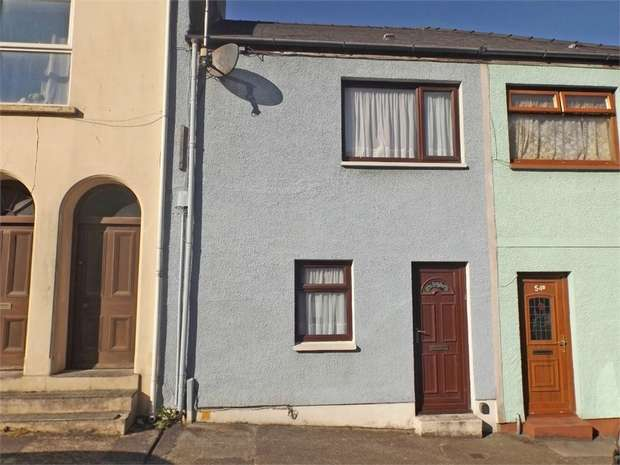 2 Bedrooms Terraced House for sale in Laws Street, Pembroke Dock, Pembrokeshire