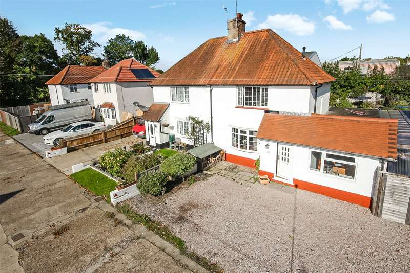 3 Bedrooms Semi Detached House for sale in Beechwood Villas, Salfords, RH1