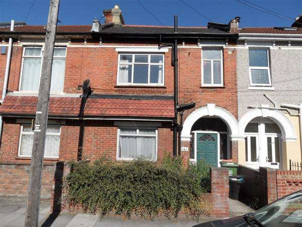 3 Bedrooms Terraced House for sale in Francis Avenue, Southsea