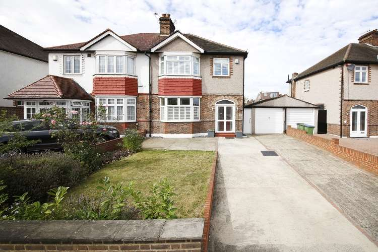 3 Bedrooms Semi Detached House for sale in Sidcup Road Lee SE12