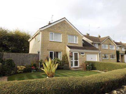 4 Bedrooms Detached House for sale in Courtfield, Tetbury, Gloucestershire