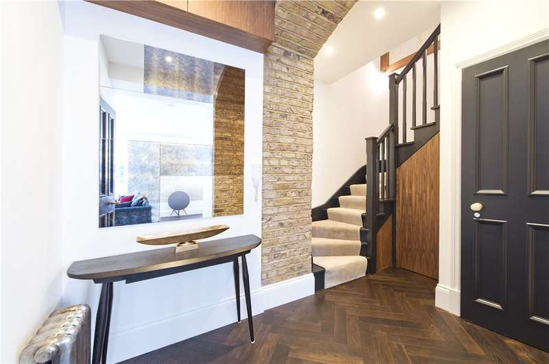 2 Bedrooms Ground Flat for sale in Queen's Gate Terrace, London, SW7