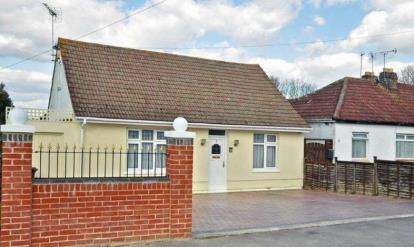 4 Bedrooms Detached House for sale in Widley, Waterlooville, Hampshire