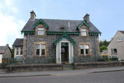 4 Bedrooms Detached House for sale in Main Street, Killin