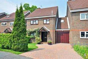 4 Bedrooms Link Detached House for sale in Hill House Close, Turners Hill, West Sussex