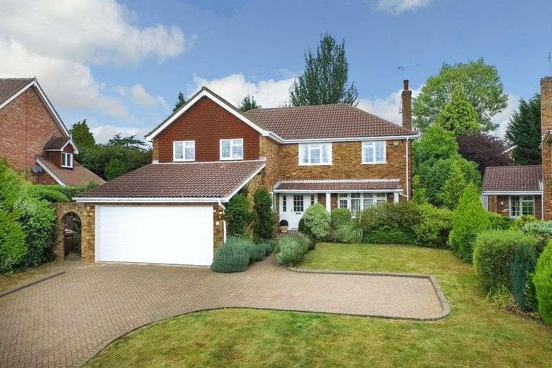 4 Bedrooms Detached House for sale in Spencer Walk, Rickmansworth