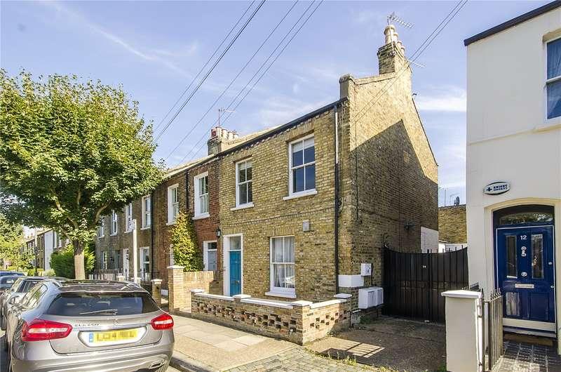 2 Bedrooms Flat for sale in Sefton Street, London, SW15