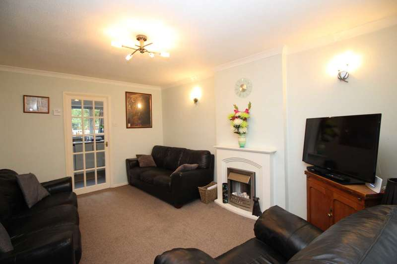 2 Bedrooms Town House for sale in Sharpley Drive, Anstey Heights, Leicester
