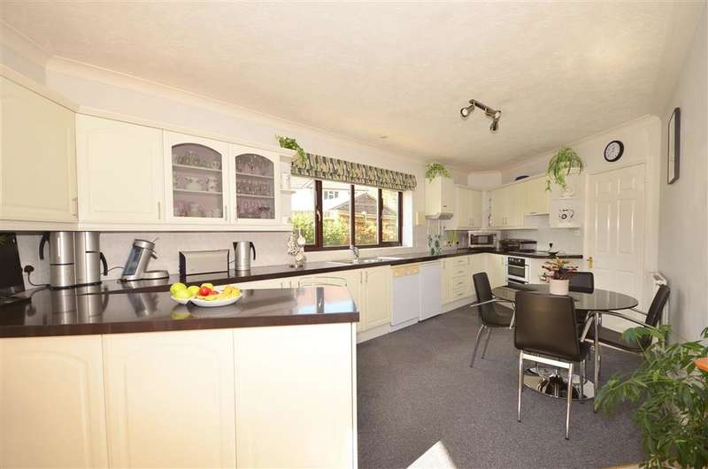 3 Bedrooms Detached Bungalow for sale in Worthing Road, Southwater, Horsham, West Sussex