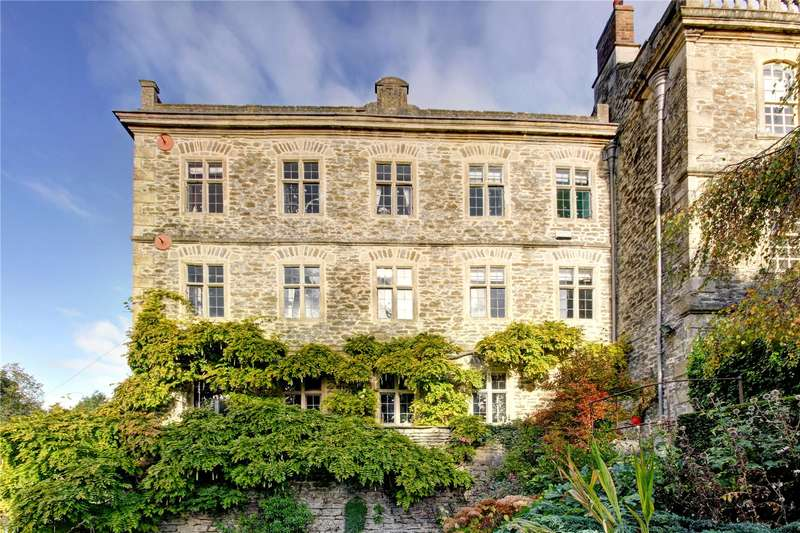 4 Bedrooms House for sale in Kings Wall, Malmesbury, Wiltshire, SN16