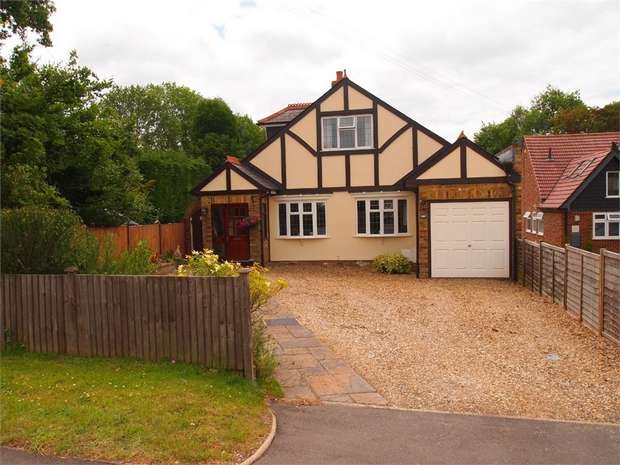 3 Bedrooms Chalet House for sale in Toms Lane, Kings Langley, Hertfordshire
