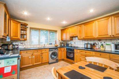 3 Bedrooms Terraced House for sale in Yeomans Ride, Hemel Hempstead, Hertfordshire