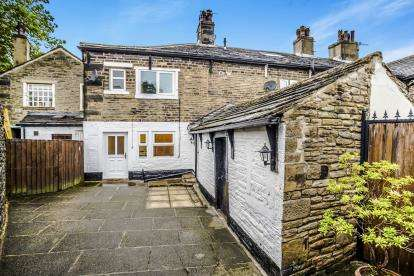 3 Bedrooms Terraced House for sale in Northgate, Elland, West Yorkshire