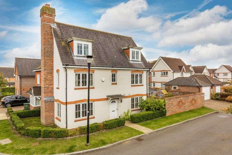 4 Bedrooms House for sale in Hopkin Close, Guildford