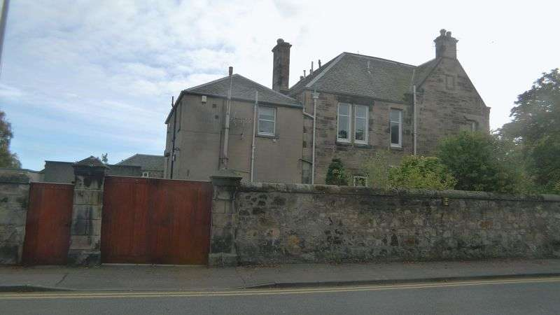 4 Bedrooms Semi Detached House for sale in Victoria Road, Kirkcaldy