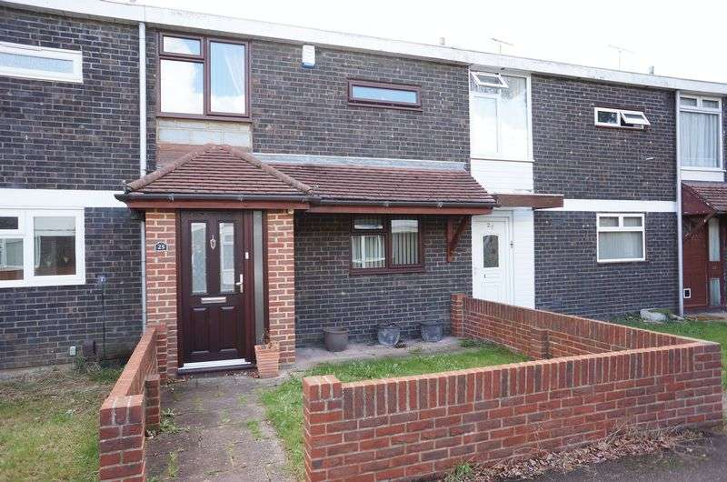 2 Bedrooms Terraced House for sale in Dordells, Basildon