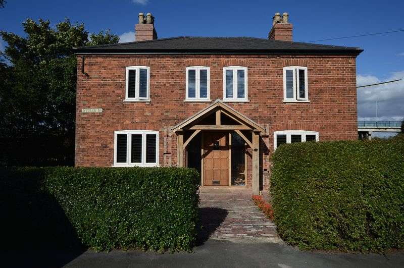 4 Bedrooms Detached House for sale in 210 Witham Road, Woodhall Spa