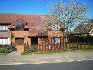 1 Bedroom Flat for sale in Arundel Court, West Street, Burgess Hill, West Sussex