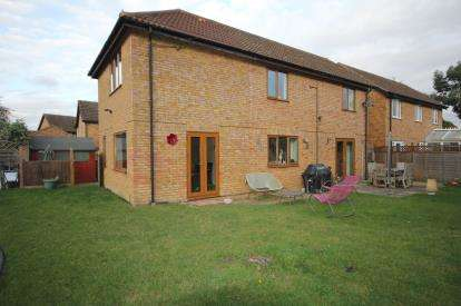 5 Bedrooms Detached House for sale in Broad Street, Clifton, Shefford, Bedfordshire