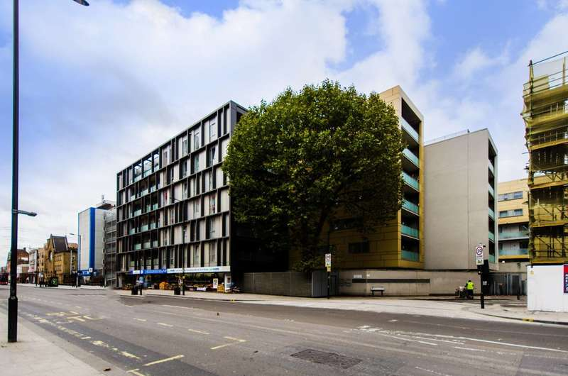 1 Bedroom Flat for sale in McCabe Court, Canning Town, E16