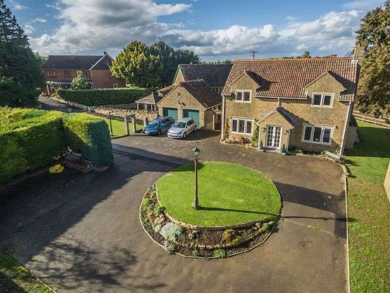 4 Bedrooms Detached House for sale in Over Stratton, South Petherton