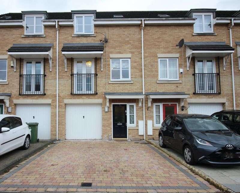 3 Bedrooms Terraced House for sale in Coleridge Way, Borehamwood, WD6