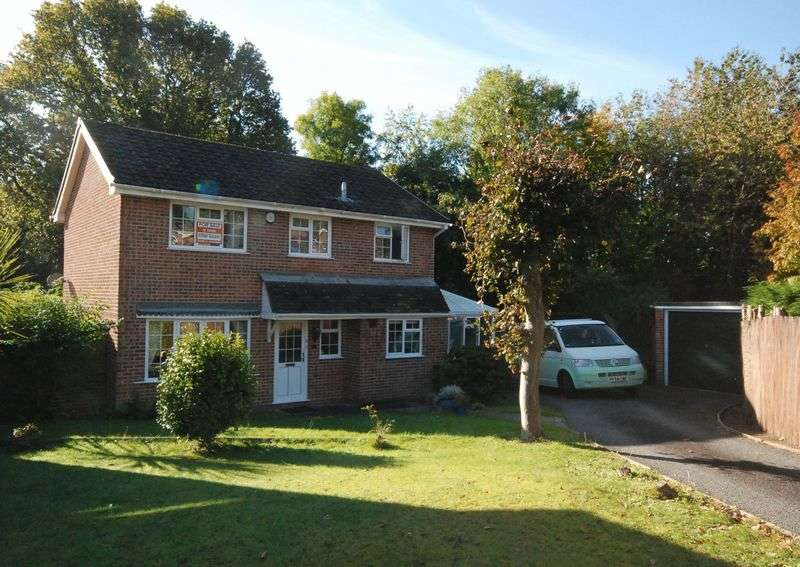 4 Bedrooms Detached House for sale in Wardlow Gardens, Crownhill Plymouth. Located in this fabulous tucked away spot is this 4 bed detached home.