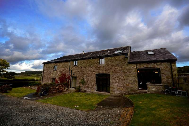 6 Bedrooms Land Commercial for sale in The Holt, Llanybri, Carmarthen, Carmarthenshire. SA33 5HH