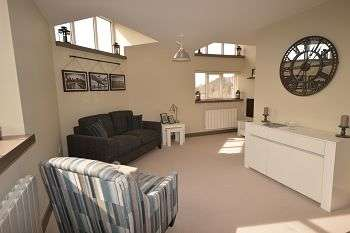 2 Bedrooms Flat for sale in Edward Mill, Hatter Street, Congleton, CW12 1QQ