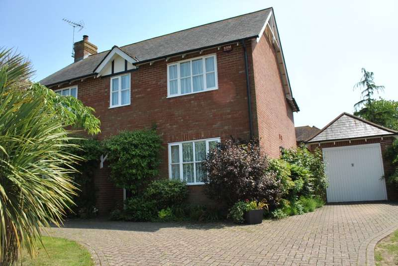 4 Bedrooms Detached House for sale in Howland Road, MARDEN