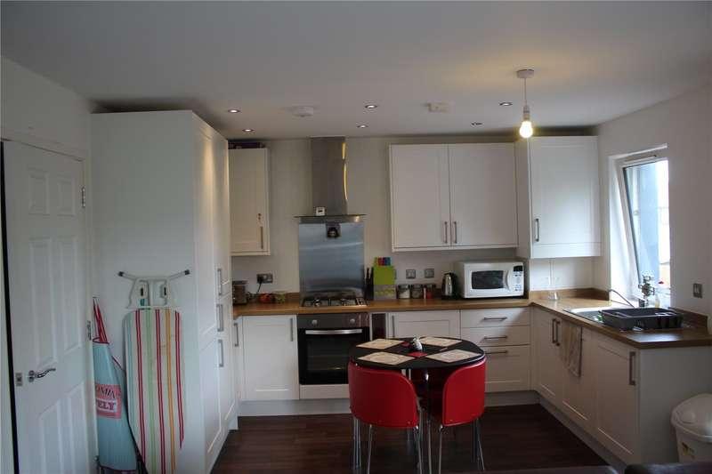 2 Bedrooms Flat for sale in Cozenton Point, Birling Road, Rainham, ME8