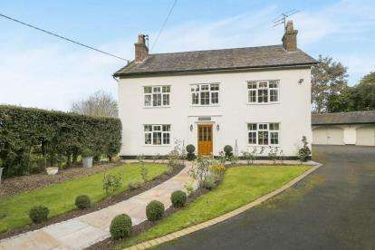5 Bedrooms House for sale in Alderley Road, Prestbury, Macclesfield, Cheshire