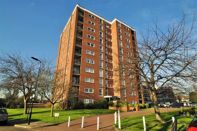 2 Bedrooms Flat for sale in Gilbert Court, Green Vale, Ealing, W5 3AX