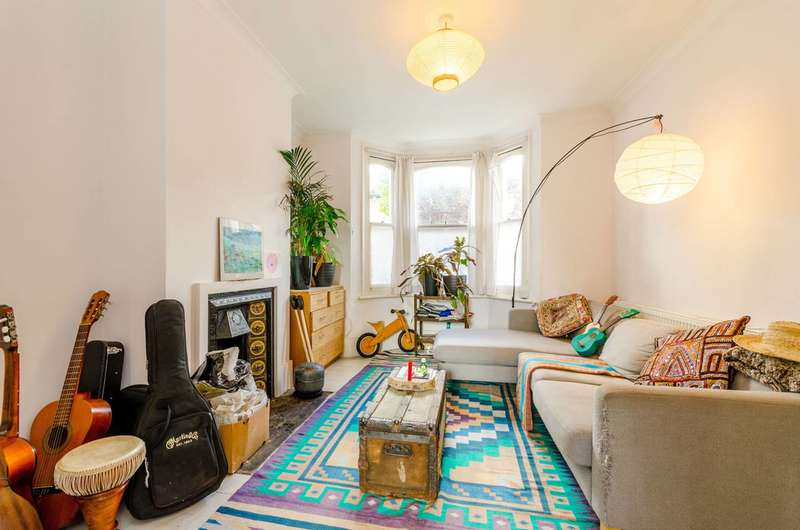 3 Bedrooms Terraced House for sale in Thorpe Road, Forest Gate, E7