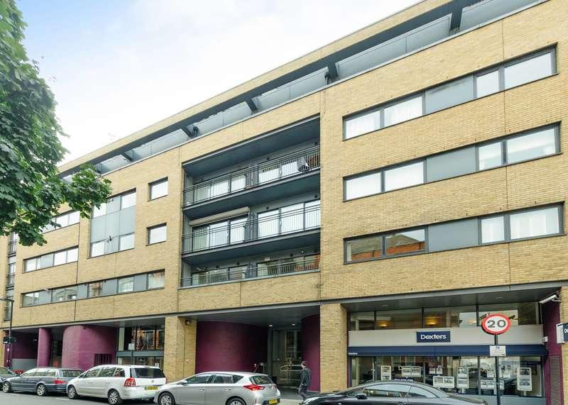2 Bedrooms Flat for sale in Britton Street, Clerkenwell, EC1M