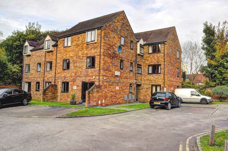 1 Bedroom Apartment Flat for sale in Central Princes Risborough