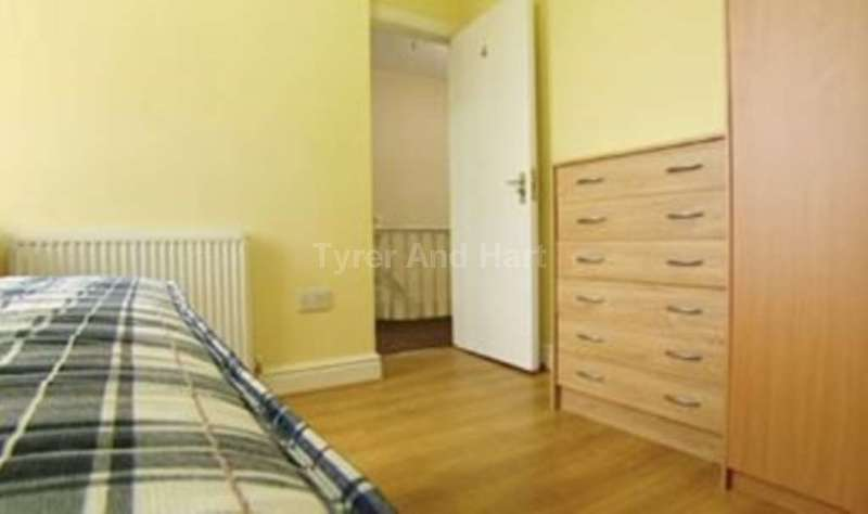 5 Bedrooms House Share for rent in Patterdale Road, Liverpool L15 - 5 Bed Student House-share