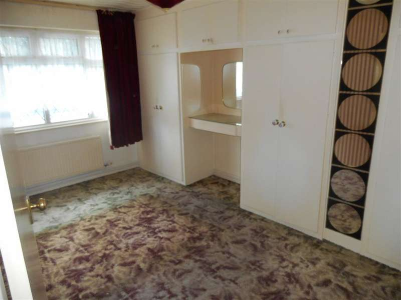 3 Bedrooms Semi Detached House for sale in Istead Rise, Istead Rise, Kent
