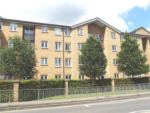1 Bedroom Retirement Property for sale in Benstede Court, Brocket Road, Hoddesdon
