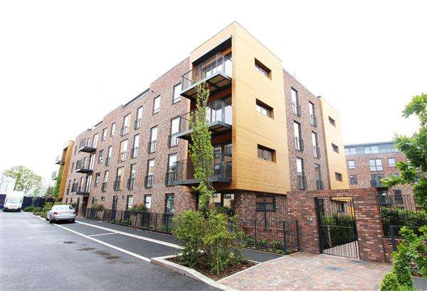 1 Bedroom Apartment Flat for sale in Clement Court, Howard Road, Stanmore