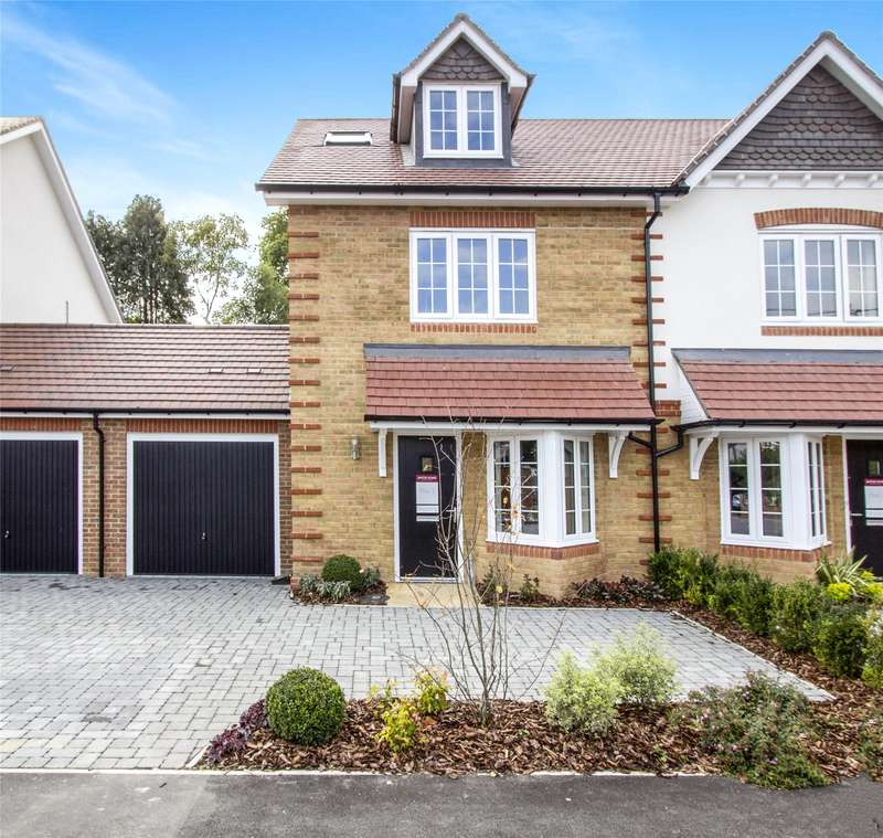 3 Bedrooms Semi Detached House for sale in Marryat Grange, Westbeams Road, Sway, Hampshire, SO41