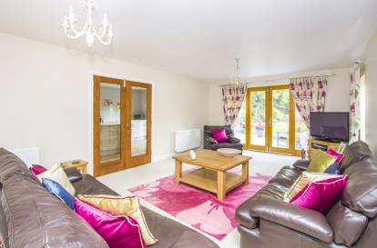 4 Bedrooms Bungalow for sale in Leicester Road, Glen Parva, Leicester, Leicestershire