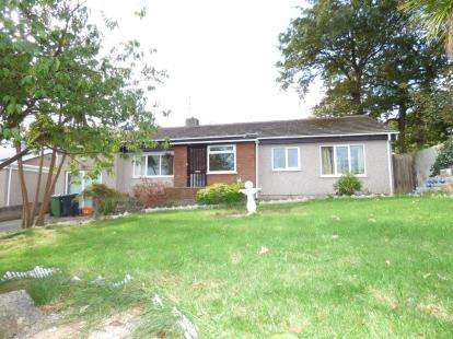 3 Bedrooms Bungalow for sale in Llanfawr Road, Holyhead, Sir Ynys Mon, LL65
